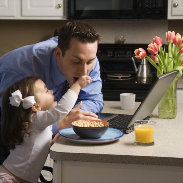 -dad-daughter-breakfast