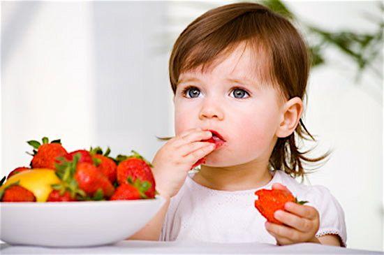 Enseñar a comer bien al bebé