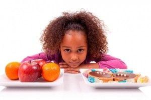 Enseñar a comer bien a nuestro hijo