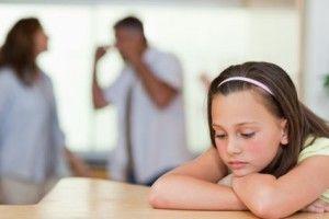 discusiones de los adultos con los niños