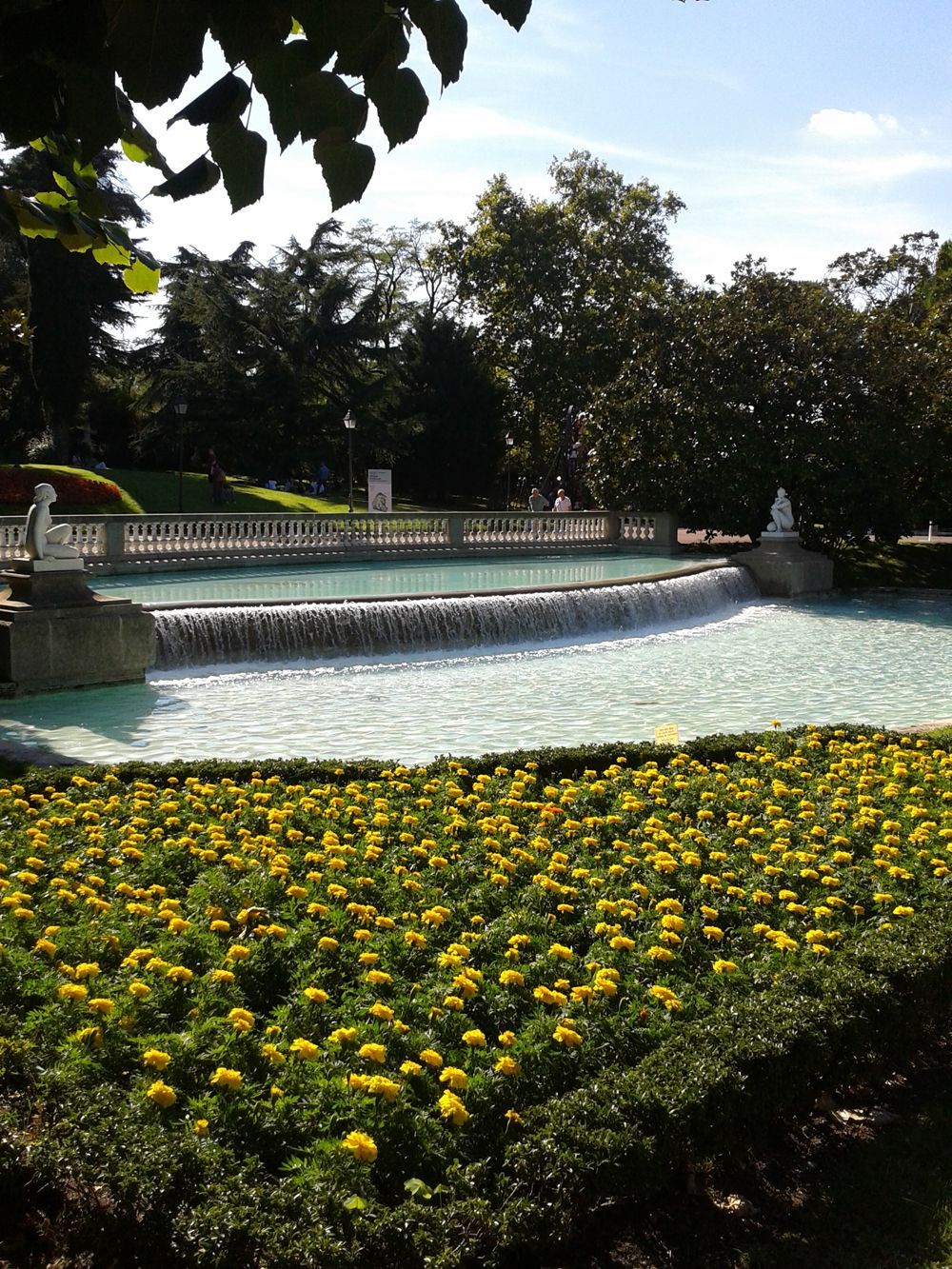 fuente jardin