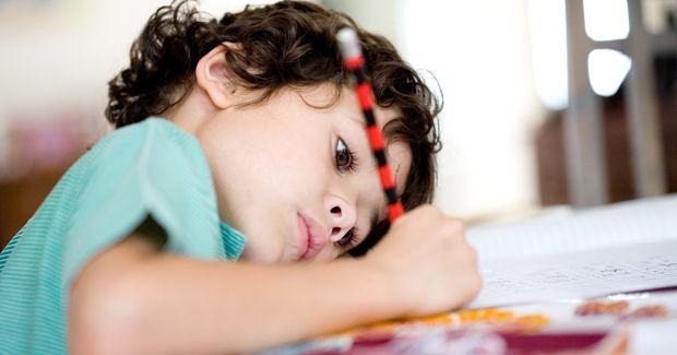 Cómo conseguir que mi hijo haga los deberes