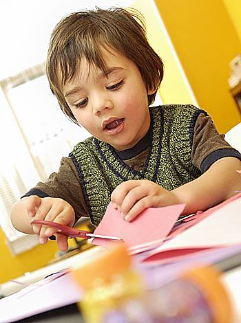 Aprender manualidades la importancia de estas actividadesblog sobre beb s y m s - Que hacer para no aburrirse en casa ...