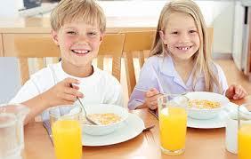 un buen desayuno con niños