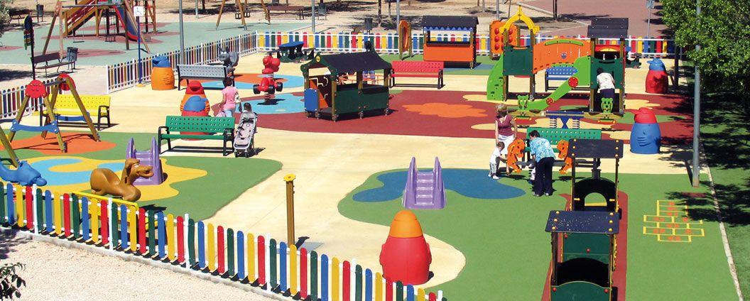 El parque infantil y sus instalaciones son seguras para for Parques de barcelona para ninos