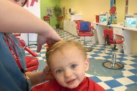 cortar el pelo a tu bebé