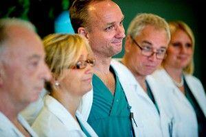 el nacimiento de un bebé de útero transplantado