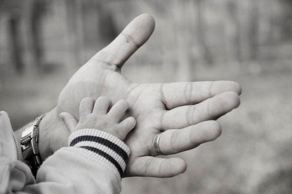 dia del padre manos