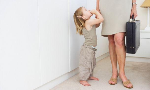 ayuda a las madres que trabajan