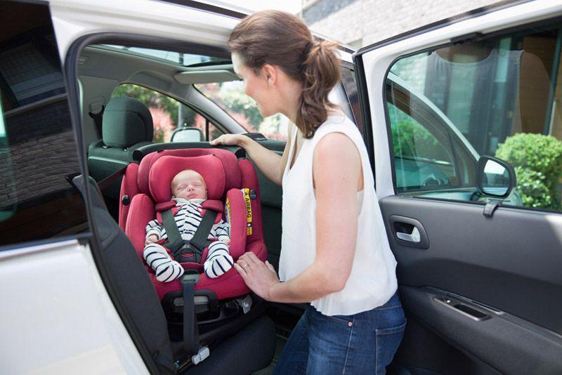seguridad auto silla contra marcha